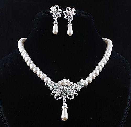 Souprava perlových šperků (náušnice a náhrdelník) ROMANTIC, svatební