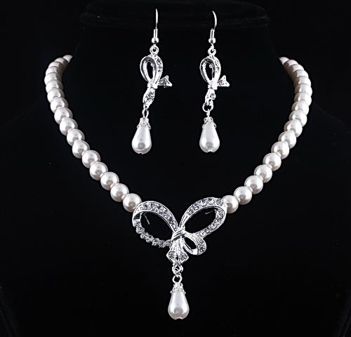 Souprava perlových šperků (náušnice a náhrdelník) RIBBON, svatební