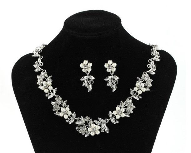 Souprava šperků (náušnice a náhrdelník) FLOWER III, svatební