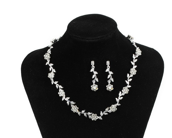 Souprava šperků (náušnice a náhrdelník) FLOWER IV, svatební