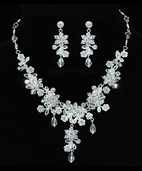 Souprava šperků (náušnice a náhrdelník) FLOWER VI, svatební